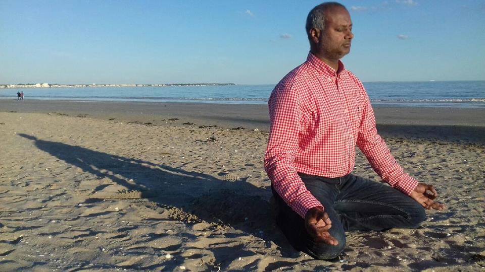 Yoga sur la plage de La Baule avec Jean-Marc